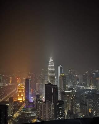 Kuala Lumpur magical view from Menara KL Tower 😎😍🇲🇾 .
