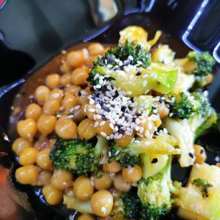 Fast stir fry 🤩😍🥦 . . . #brocolli #🥦 #stirfry #fastcooking #chickpea #chickpeas #food #sweetandsour #sweet #homemadefood #delicious #deliciousfood #healthyfood #healthyrecipe #spicy #spicyfood #asianfood #asiankitchen #vegan #veganfood #vegitarianfood #veggyfood #vegetarianrecipes #healthylifestyle #livinghealthy #instafoodie #instafood #huaweiphotography #huaweip30pro #may2021